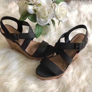 Rampage Happy Woman Black Wedge Platform Sandals